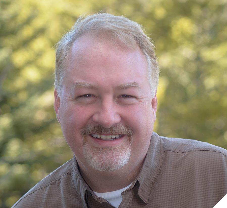 Portrait photo of Scott Crumpton